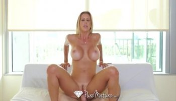 Appetite blonde Krissy Lynn becomes crazy hot and demonstrates her naked charms